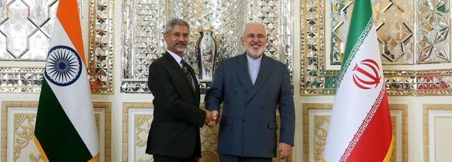 Top Iran, India Diplomats Discuss Relations, Region