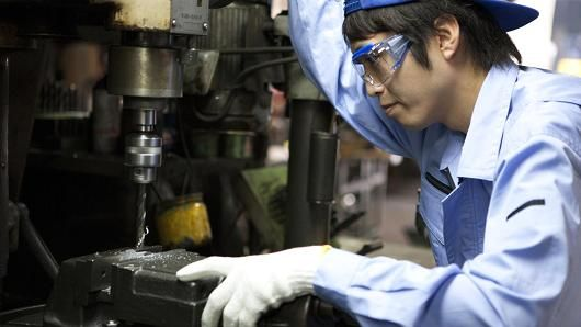Japan October core machinery orders rise, beating expectations