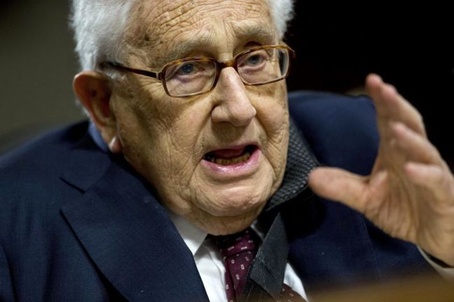 China, Grappling With Trump, Turns to 'Old Friend' Kissinger