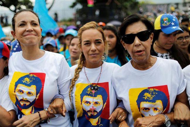 """Venezuela opposition plots """"zero hour"""" after big anti-Maduro vote"""