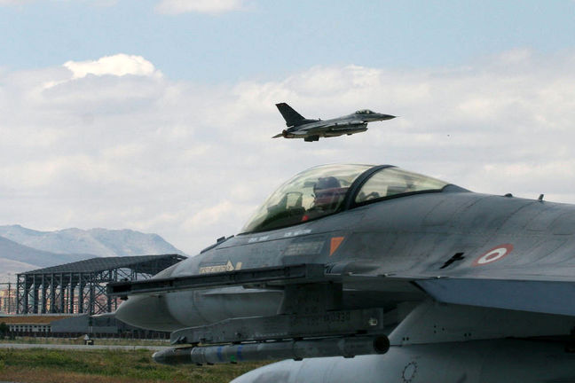 Turkish Jets Strike Islamic State in Syria to Secure Border