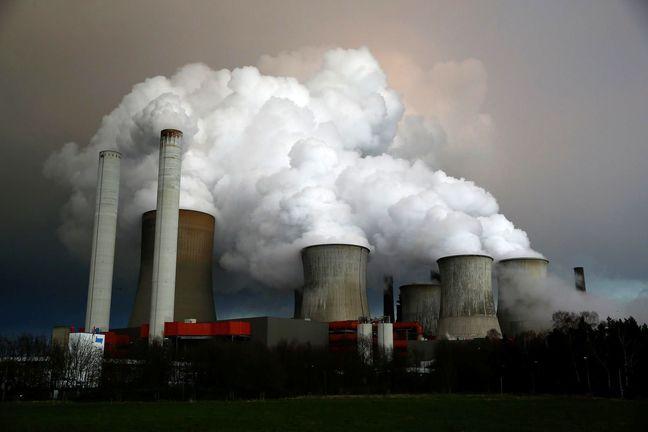 Britain ratifies Paris climate agreement