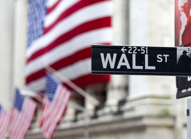 Threat of 'hard Brexit' pulls down Wall Street