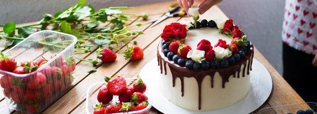 Buy Cakes Online in Tehran