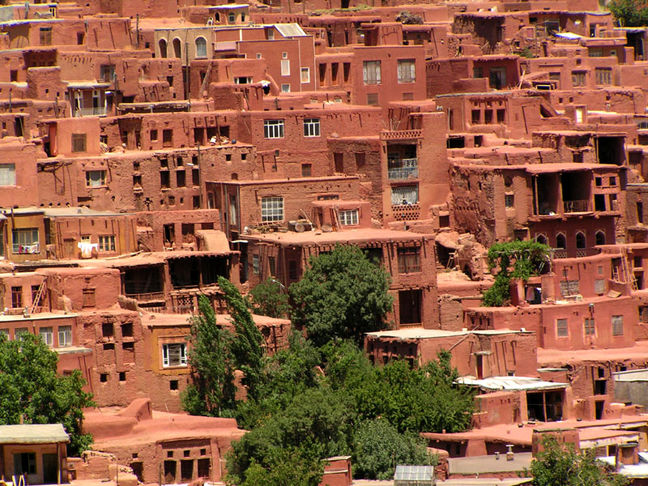 Over 6,000 foreign tourists visit Abyaneh village