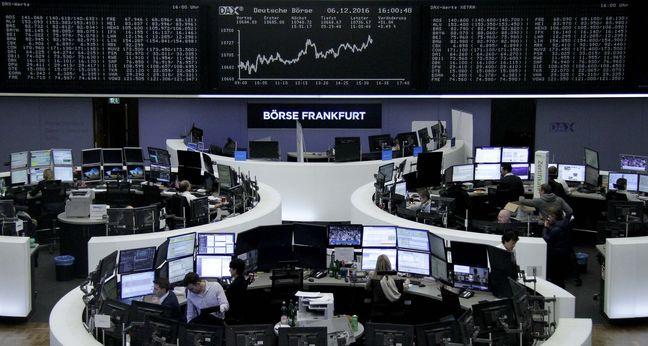 European Stocks Advance as Data Confirms Manufacturing Strength
