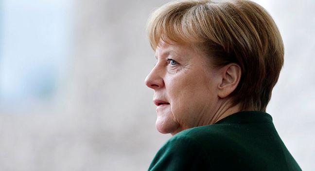 Merkel Tested on Refugees, Diesel as Opponent Steps Up Campaign