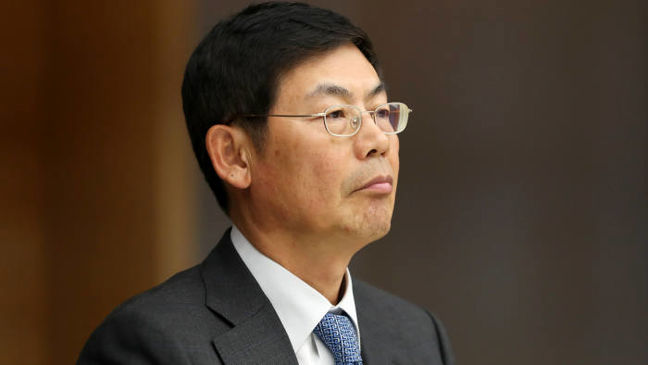 Samsung's Jailed Board Chairman Quits