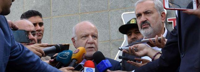 Zanganeh: Iran Oil Exports Will Continue