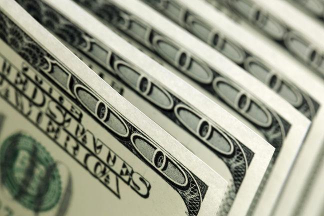 Stocks, Currencies Mixed Ahead of Fed; Oil Slumps