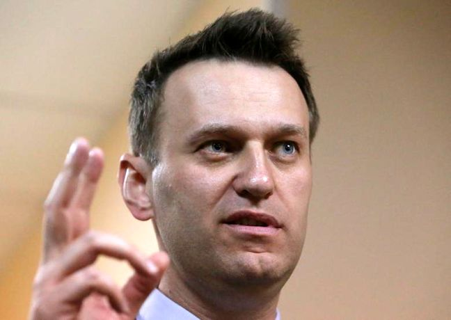 Russian police detain Putin critic Navalny ahead of Moscow protest