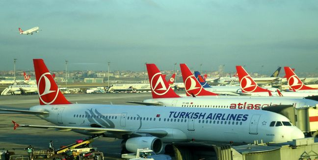 Turkish Carriers to Fill Void After Europeans Halt Flights to Iran
