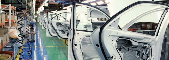 Iran Central Bank, Carmakers Clash Over €844 Million Loan