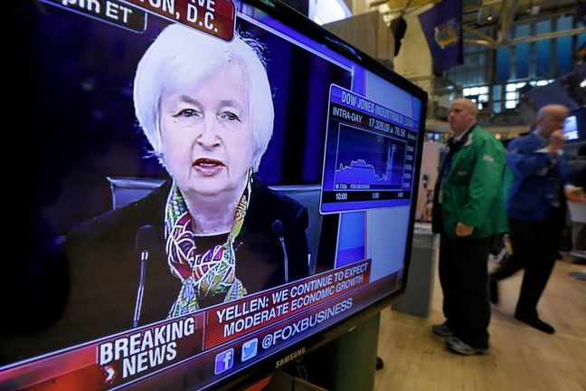 Emerging Markets Fall as Divergent Fed Boosts Dollar; Oil Slides