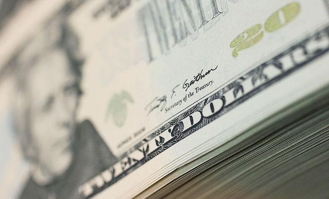 Dollar Weakens on U.S. Politics; Equities Falter