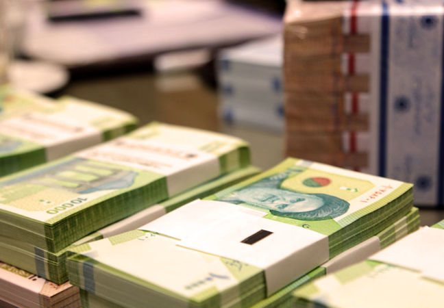 Central Bank of Iran: Liquidity Crosses $350 Billion