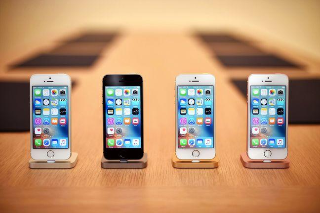 Apple Sells Fewer iPhones in Last Quarter, Shares Slide