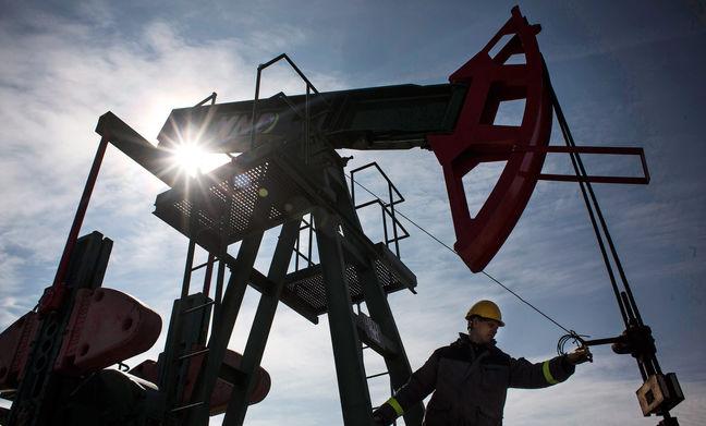Oil extends losses after report shows surprise U.S. stocks build