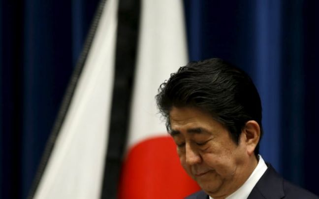 Wages Shape Up as Key to Abenomics and the Future of Abe Himself