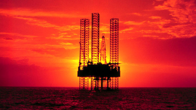 Oil prices rise on first drop in U.S. drilling in months