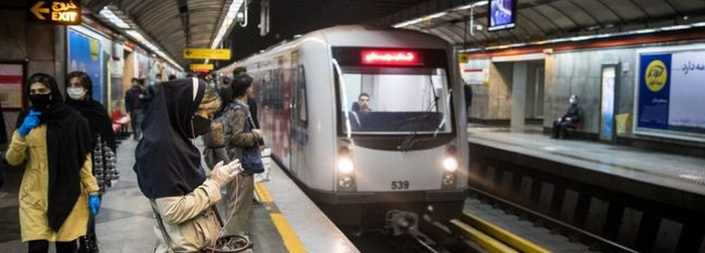 Traffic Schemes Resume, Commuters Throng Subway