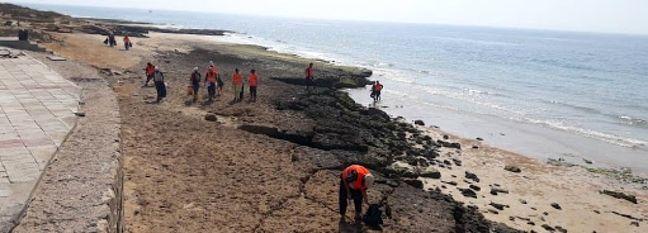 Oil Slick Cleanup Near Kharg Island
