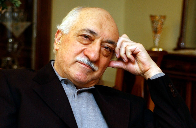 """Turkey Shows """"Evidence"""" of Gulen's Role in Coup"""