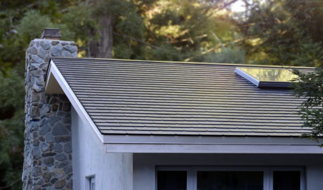 Tesla Finishes First Solar Roofs—Including Elon's House