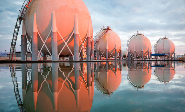 Middle East Drives LNG Demand as Glut Makes Prices Attractive