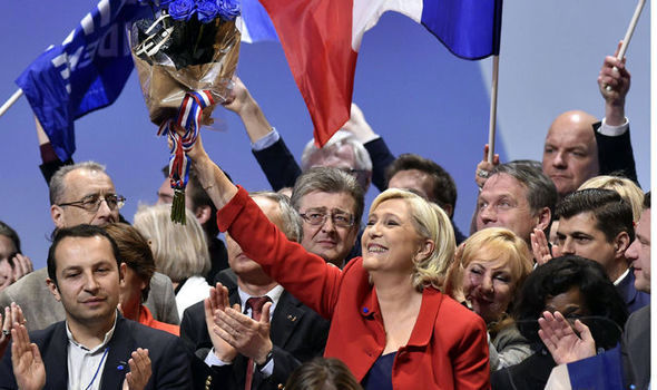 Le Pen Tries to Reassure on Euro Exit as Macron Edges Ahead