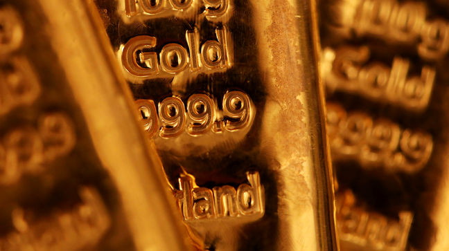Gold Posts Biggest Weekly Loss Since November as Demand Wilts