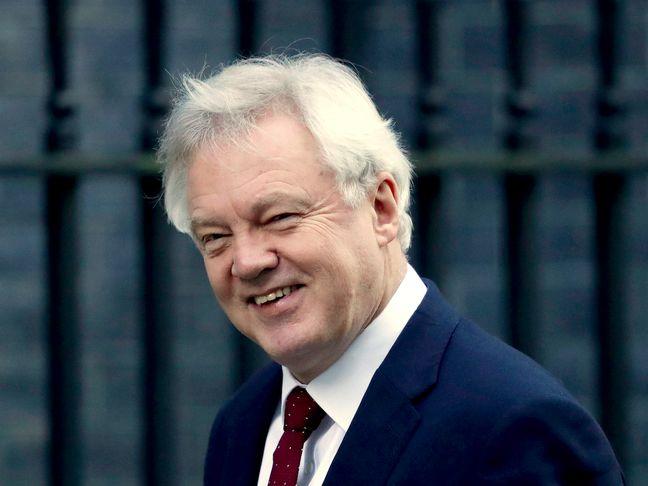 U.K. Seeks to Convince EU It's Ready to Advance Brexit Talks