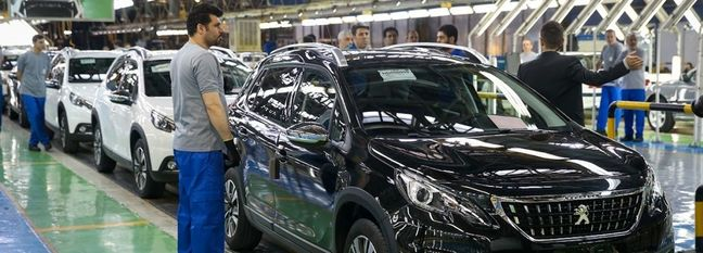 Central Bank of Iran Boss Lashes Out at Loss-Making Carmakers