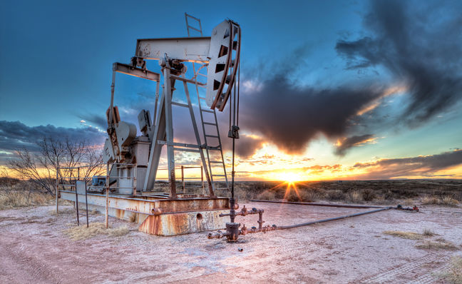 Oil Prices Up on Iran Sanctions While Future Contracts Decline
