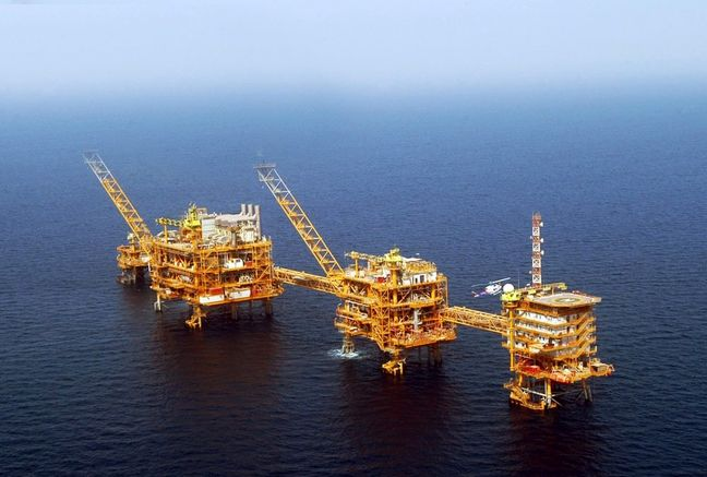 Iran seals 33 oil MoUs in post-sanction era