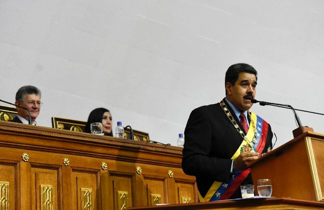 Venezuela opposition bickers over dialogue with government
