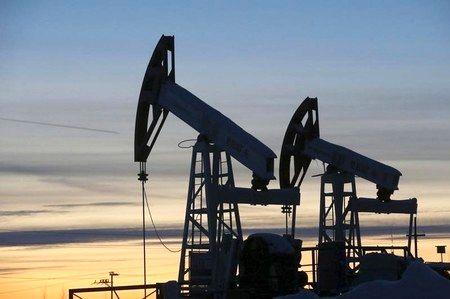 Oil down 1 percent despite news OPEC could extend output cut