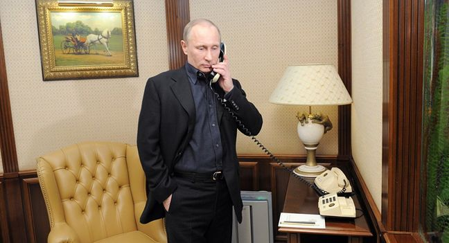 Trump, Putin Use First Formal Phone Call to Seek Better Ties