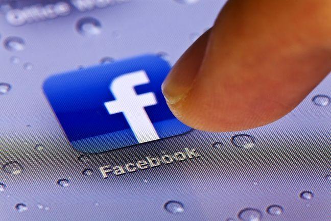 Facebook 'Embeds' Advised Trump's Campaign, Digital Director Says