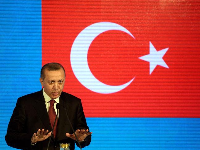 Turkey's Erdogan threatens to cut off oil flow from Iraq's Kurdish area over referendum