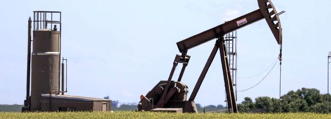 Oil Falls as Growing Coronavirus Cases Stoke Fuel Demand Worries
