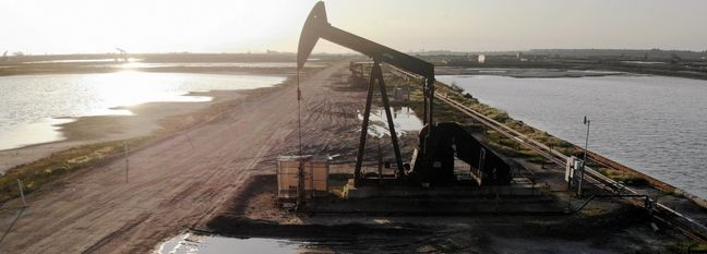 Volatile Oil Prices Still Poised for Second Monthly Decline
