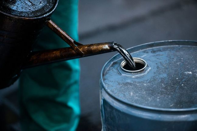 Goldman Says Oil to Surpass $80 With Market Likely Balanced