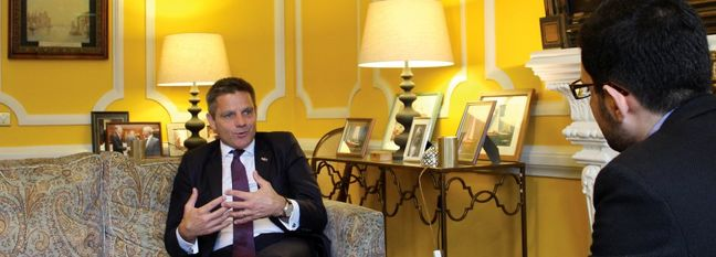 UK Envoy Talks Trade in Tehran
