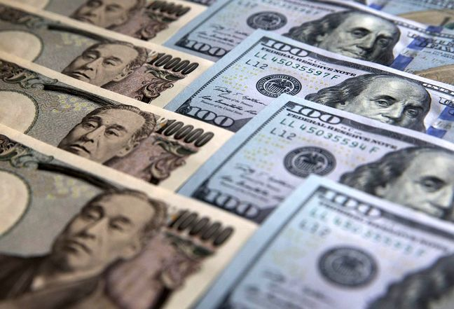 Dollar Extends Gain as Havens Slump; Bonds Decline