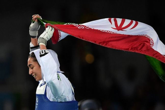 Iran's female athlete WTF flag-bearer in 2017 Taekwondo Champs