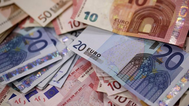 Euro jumps to three-week highs as risk appetite returns