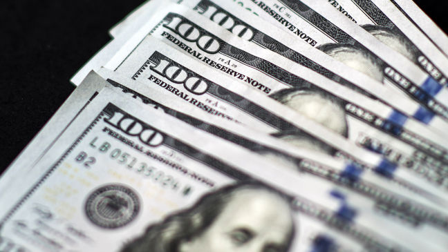Dollar hits three-week high vs yen after NY Fed president's comments