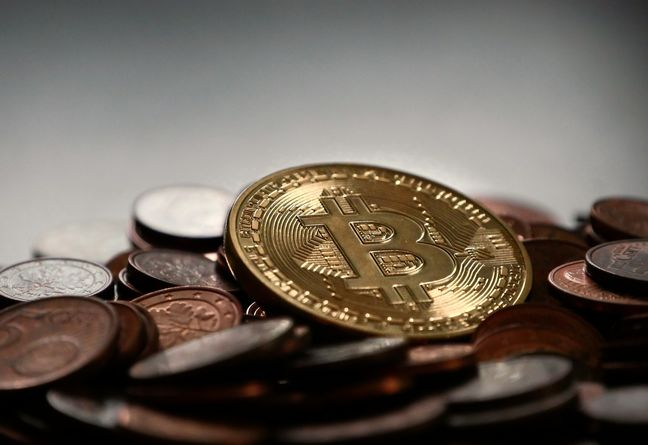 Majlis Think Tank Calls for Regulating Cryptocurrency