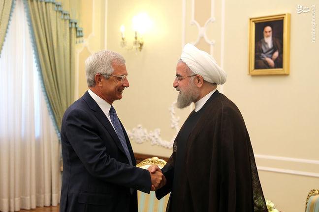 Rouhani: Implementing Tehran-Paris deals develops bilateral ties